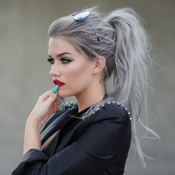silber graue haare haarfarben trends 2021