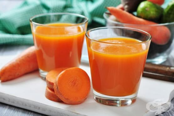 strahlende Gesichtshaut gesunde Lebensmittel Karottensaft trinken Vitamin A Beta-Carotin
