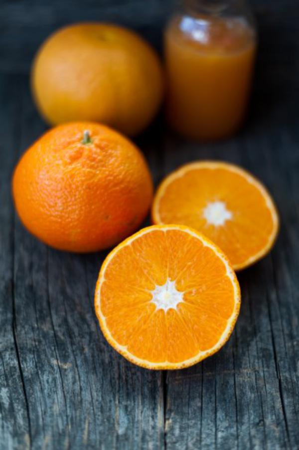 strahlende Gesichtshaut gesunde Lebensmittel Orangen essen gut für die Gesundheit viel Vitamin C