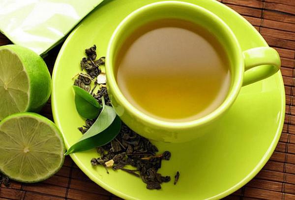 strahlende Gesichtshaut gesunde Lebensmittel grüner Tee mit Zitrone schmeckt gut ist gesund
