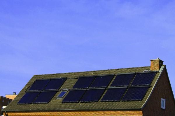 Ökologische Außenfassaden So wird das eigene Haus umweltbewusster solar energie paneelen