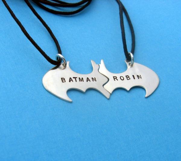 Anleitung für Freundschaftsketten basteln Batman und Robin