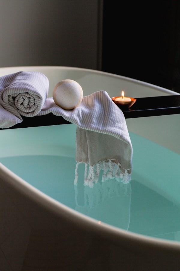 Bademantel mit oder ohne Kapuze So wählen Sie den perfekten Bademantel badezimmer zubehör