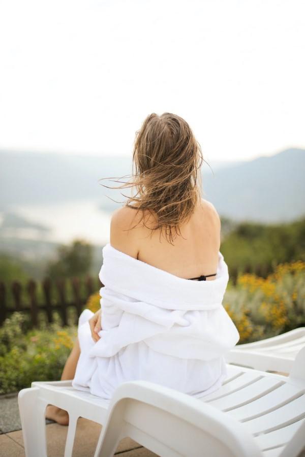Bademantel mit oder ohne Kapuze So wählen Sie den perfekten Bademantel kleidung zum relaxen