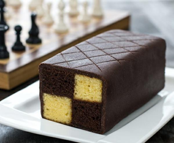 Battenberg Kuchen zubereieten Schachbrettmuster