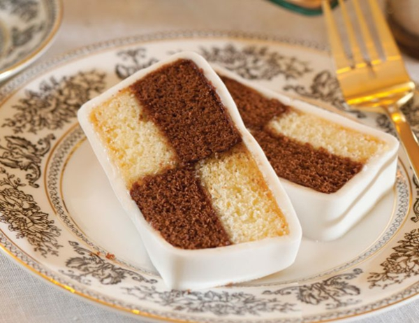 Battenberg Kuchen zubereieten - ein englisches Dessert