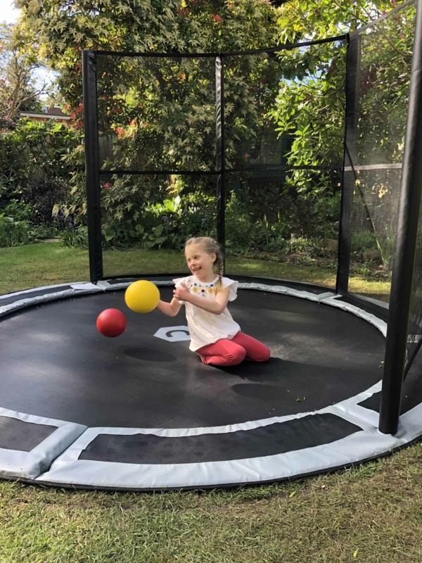 Bodentrampolin Vorteile Nachteile Kind Inground Trampolin