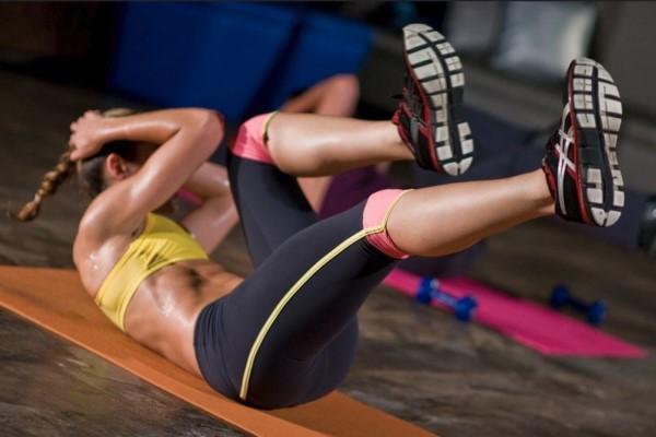 Fit in 4 Minuten mit Tabata Übungen tabata training zu hause
