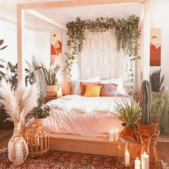 Frühlingsdeko Ideen fürs Schlafzimmer üppiger Raumschmuck Grünpflanzen gesättigte Farben