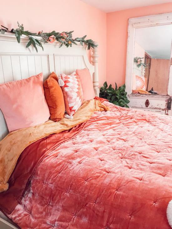 Frühlingsdeko Ideen fürs Schlafzimmer Retro Raum Bettwäsche in grellen Farben visuelle Erfrischung erreichen