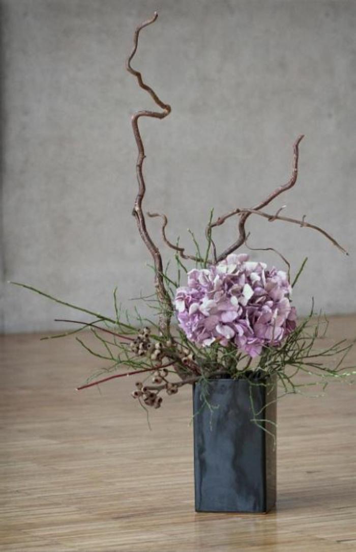 Frühlingsdeko selber machen basteln mit naturmaterialien blumenkomposition
