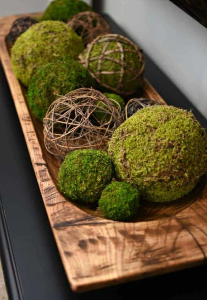 Frühlingsdeko selber machen basteln mit naturmaterialien moos kugeln