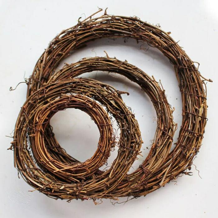 Frühlingsdeko selber machen basteln mit naturmaterialien rebstöcke
