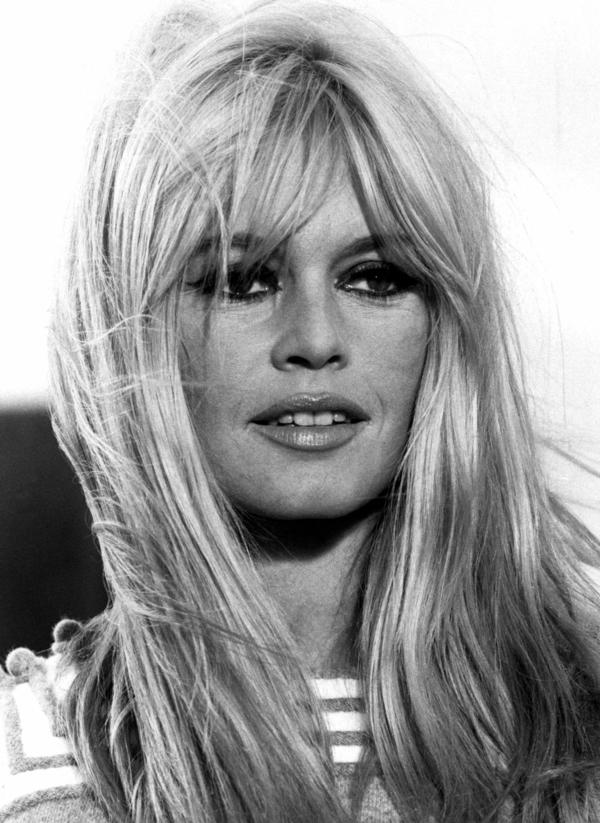 Frisuren mit Pony Ponyfrisuren Frisurentrends 2021 Brigitte-Bardot