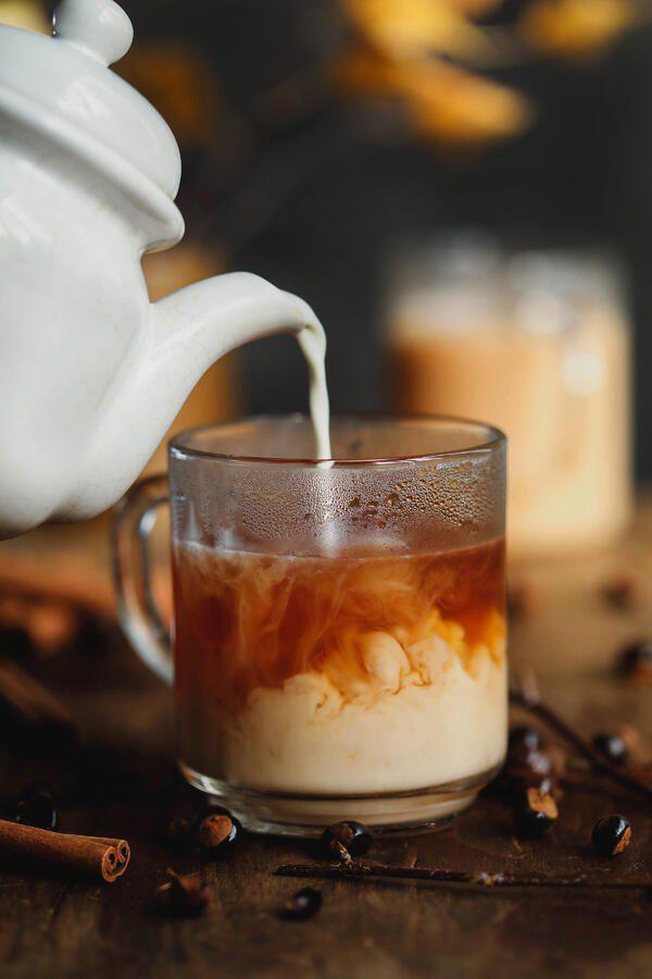 Guarana Getränk mit Milch und Zimt verfeinert schmeckt gut macht munter