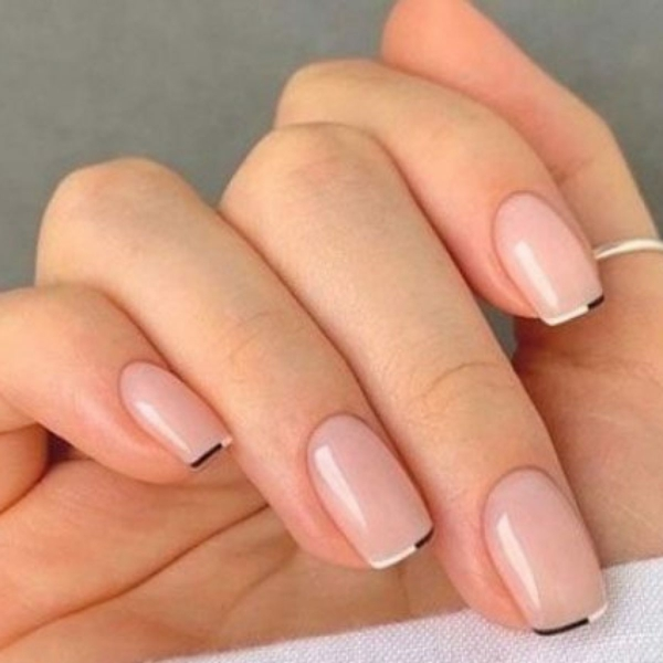 Micro Manicure Nageldesign Nageltrend Micro French Farbakzent