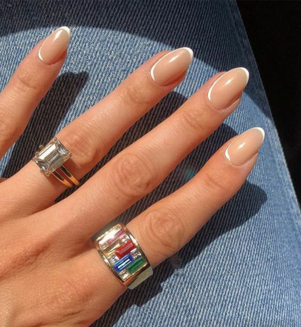 Micro Manicure der neue Nageltrend Micro French