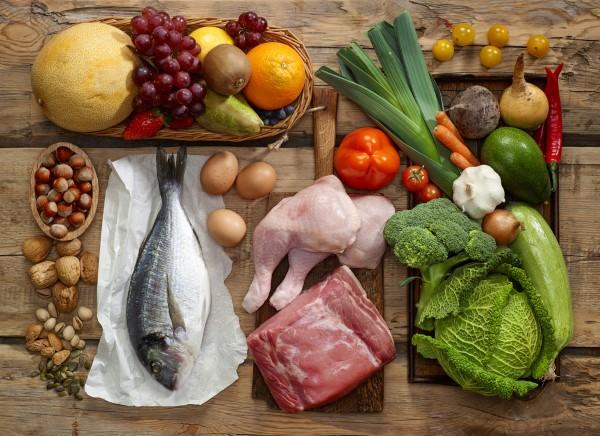 pegan diet - ο τελευταίος συνδυασμός τάσεων τροφίμων με υγιεινά ωμά τρόφιμα paleo και vegan