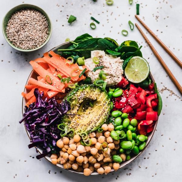 Pegane Diet - Ο τελευταίος συνδυασμός τάσεων φαγητού Paleo και Vegan πόσο υγιής είναι