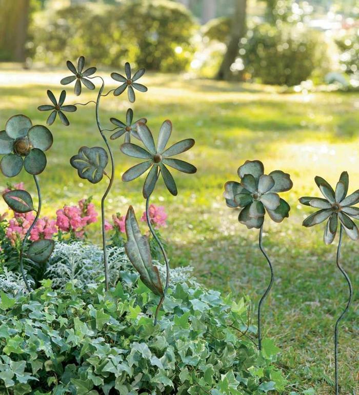 Rostige Gartendeko klee