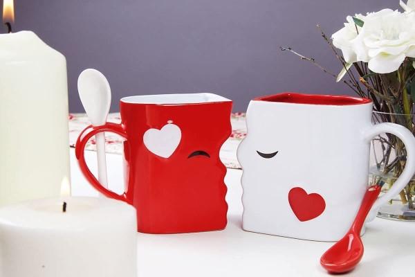 Schlaue und liebevolle Valentinsgeschenke für Damen und Herren liebe küssende tassen becher