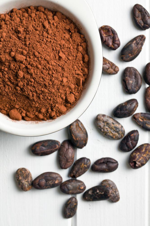 Tees Kakaoschalentee schokoladiges Heißgetränk enthält wenige Kalorien