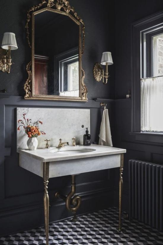 Trends 2021 in der Inneneinrichtung Wohnzimmerecke Glaswände zeitloser Look sehr hochwertiges Design Sessel Topfpflanze