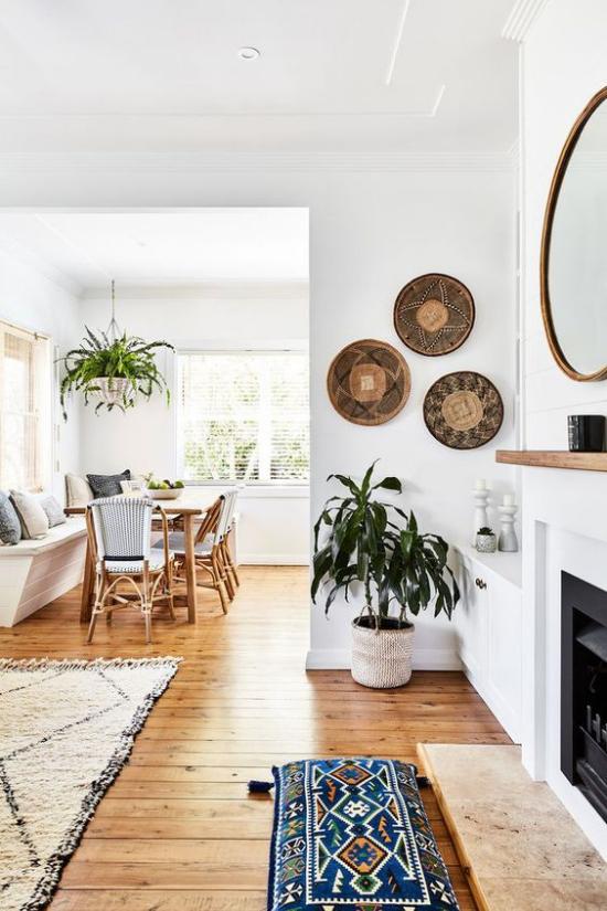Trends 2021 in der Inneneinrichtung großer Wohnraum in einzelne Zonen geteilt modernes Design