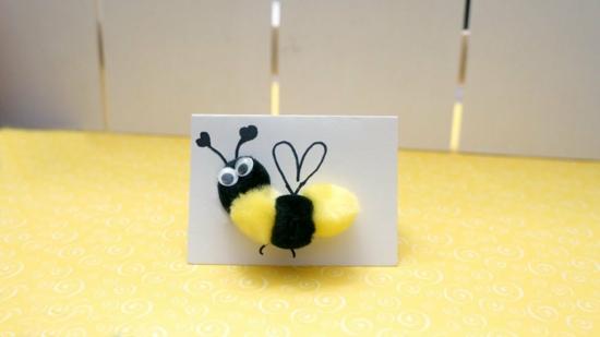 frühlingskarte mit bienen basteln