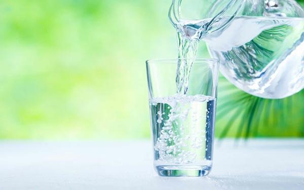gesunde getränke leitungswasser trinken