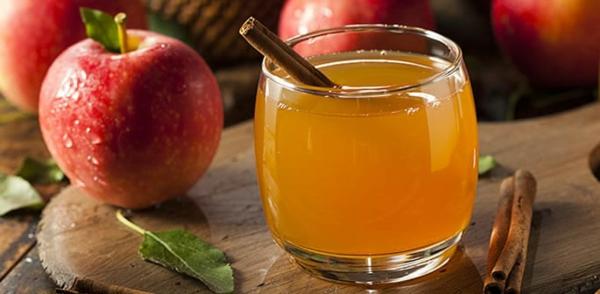 gesunde getränke wasser apfel zimt