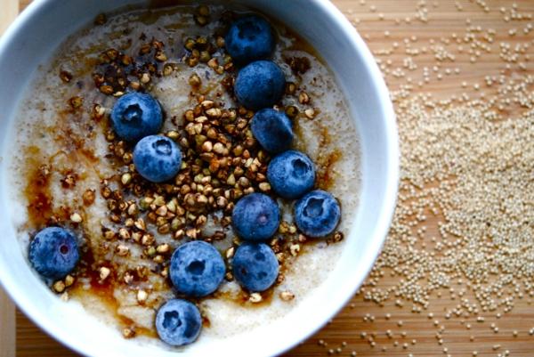 gesundes frühstück pseudogetreide