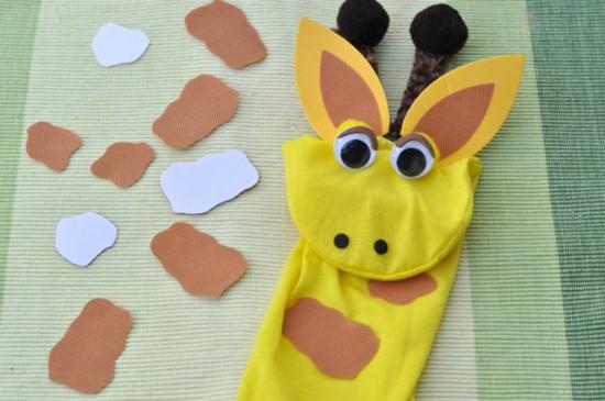 giraffe handpuppen selber machen aus socke