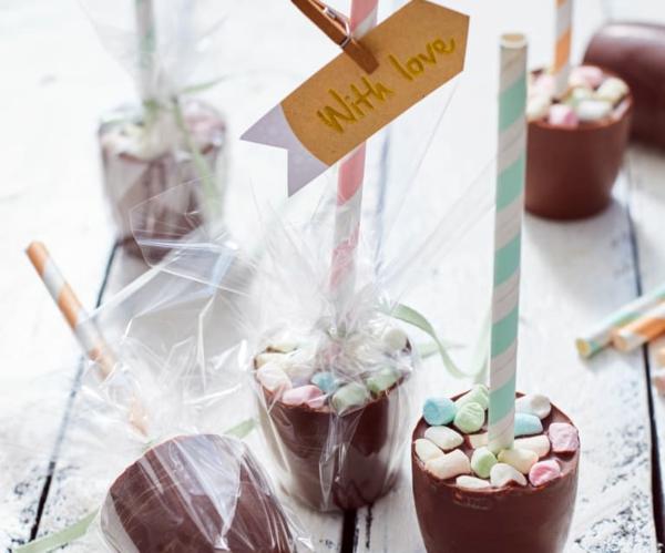 heiße Schokolade am Stiel zubereiten - Rezept und Zubereitungstipps