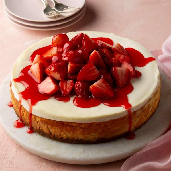 herzkuchen valentinskuchen käsekuchen mit erdbeeren udn marmelade