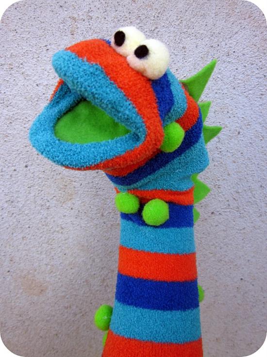 monster handpuppen selber machen sockentiere