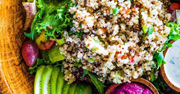 quinoa salat pseudogetreide gesund