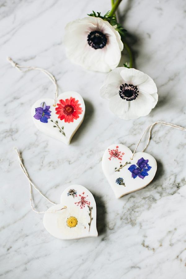 raumduft selber machen sojawachs getrocknete blüten