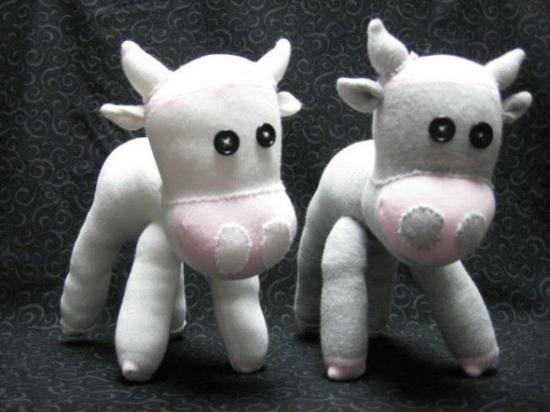 weiße kühe sockentiere basteln