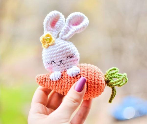 Amigurumi Hase häkeln – Ideen für Ostern zum Inspirieren und Nachmachen osterhase möhre