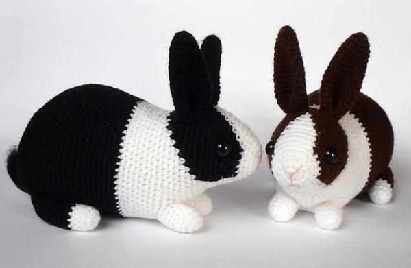 Amigurumi Hase häkeln – Ideen für Ostern zum Inspirieren und Nachmachen weiß schwarz hasen realistisch