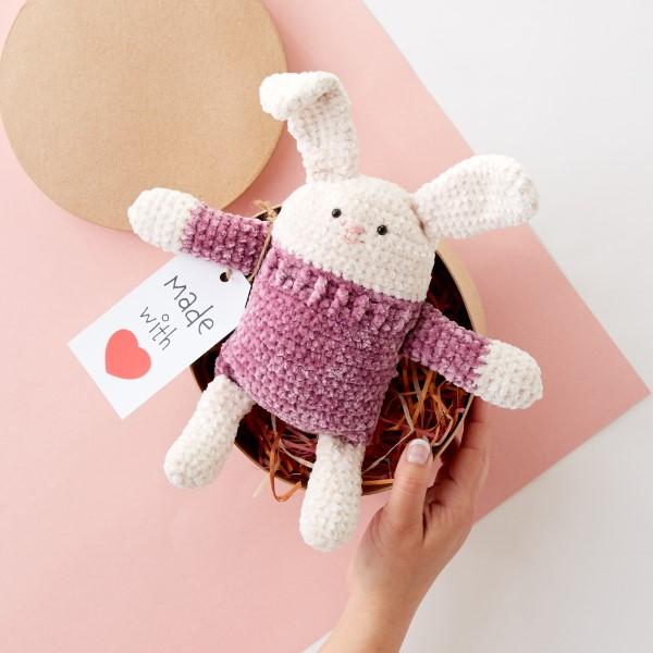Amigurumi Hase häkeln – Ideen für Ostern zum Inspirieren und Nachmachen weiße osterhasen rosa kleid