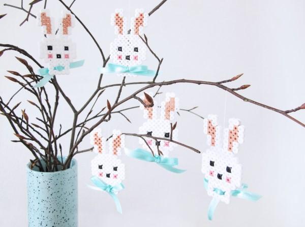 Basteln mit Bügelperlen zu Ostern – coole Ideen und praktische Tipps ornamente hasen schleife