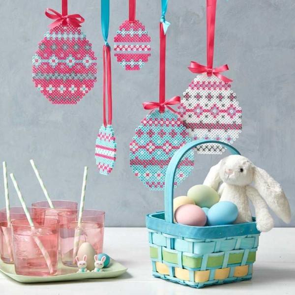 Basteln mit Bügelperlen zu Ostern – coole Ideen und praktische Tipps ostereier diy hängende deko