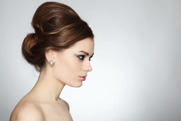 Beehive Frisur Trend Retro Bienenstock Hairstyle