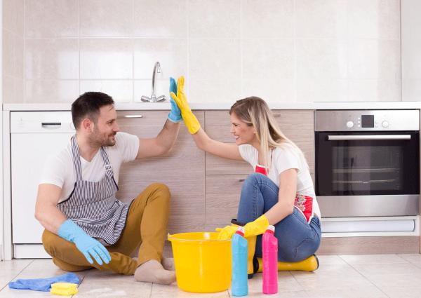 Frühjahrsputz Checkliste und andere schlaue Tipps küche zusammen reinigen