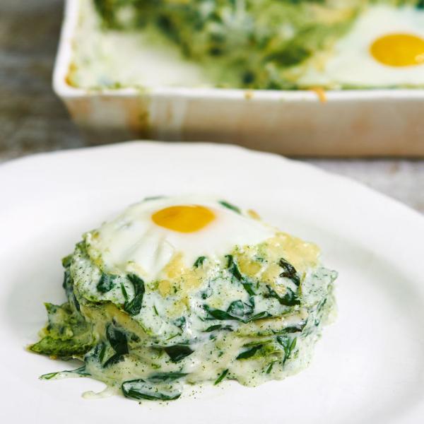Gründonnerstag grüne Speisen traditionelle Rezepte Spinat Ei Frankfurter grüne Soße