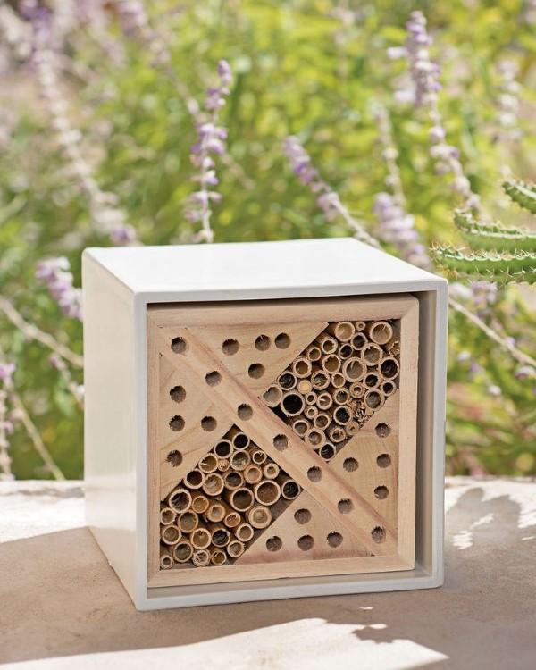 Insektenhotel basteln und den Frühlingsgarten mit freudigen Summen erfüllen diy ideen für einen natürlichen garten
