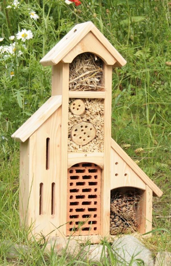Insektenhotel basteln und den Frühlingsgarten mit freudigen Summen erfüllen schöne bastelideen mit liebe zur natur