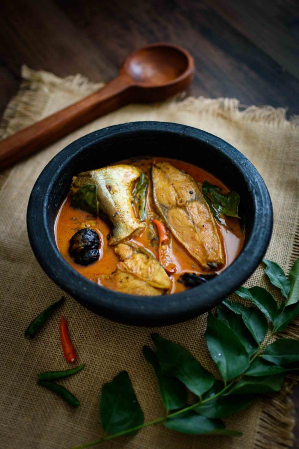 Karfreitag Fischtag Tilapia im Topf mit Soße scharfes Gericht